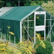 Schattiernetz/Hitzeschutznetz - außen auf einem Gewächshaus angebracht